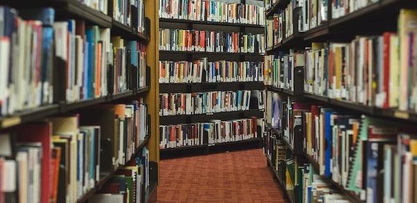 Books 2562331 640